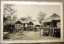 CAMBODGE UN VILLAGE CASES SUR PILOTIS - Cambodia