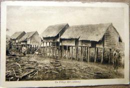 CAMBODGE UN VILLAGE MOI CASES SUR PILOTIS - Cambodia