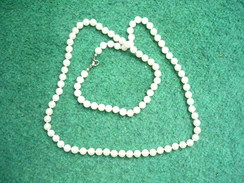 Lange Perlenkette  (490) - Collane/Catenine