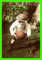 ENFANTS - UN GARÇON JOUR AU FOOTBALL -  SAVED  - PHOTOGRAPHIX UNLIMITED 1992 - - Portraits
