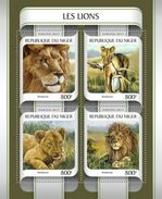 NIGER 2017 SHEET LIONS LEONES WILD CATS RAUBKATZEN FELINS FELINES FELINOS FELINI WILDLIFE Nig17213a - Niger (1960-...)