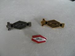 3 Pin's Société JPM  Bâtiment Fabricant De Serrures Clefs Et Cylindre Sécurité époxy Et EAF - Otros