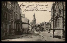 22 - DINAN - Place Saint-sauveur - Dinan