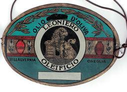 LATTA PUBBLICITARIA OLIO DI OLIVA OLEIFICIO LEONIERO VILLALVERNIA ONEGLIA - Targhe In Lamiera (a Partire Dal 1961)