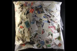 """KILOWARE An All World """"off Paper"""" 1KG+ (mostly 20th Century) Mixture, Unchecked, But At A Glance Many """"Better""""... - Stamps"""