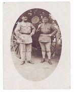 Photo 2 Soldats ( 32e Régiment ) Devant Cantine - Guerre, Militaire