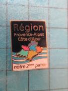 Pin1817 Pin's Pins / THEME VILLES : PROVENCE ALPES COTE D'AZUR NOTRE 2e PATRIE    ; Rare Et De Belle Qualité !!! - Steden