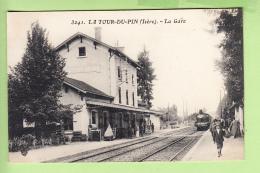 LA TOUR Du PIN - La GARE Avec Arrivée Du Train - Vue Différente - BE -  2 Scans - La Tour-du-Pin