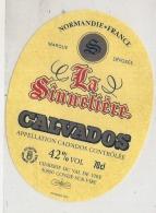 - étiquette - CALVADOS  La Signneliere Condé Sur Vire - Whisky