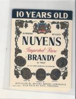 - étiquette - BRANDY 10 Years Old   Vila Nova De Gaia Portugal - Importateur NUYENS  -pour Flask - Whisky