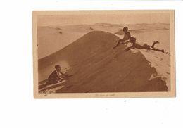 Cpa - Un Bain De Sable - Enfant Garçon Nu - N°147 - Afrique