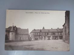 CPA 19 EGLETONS PLACE DE L' HOTEL DE VILLE - Egletons