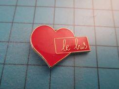 Sp01 Pin's Pins /  Pin's COEUR ROUGE J'AIME LE BUS   ;   Belle Qualité !!!   Marquage Au Dos : ---- - Trasporti