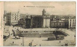 PERPIGNAN : Vue Panoramique Sur Le Castillet - Pancarte BYRRH Et Tramway Chocolat MENIER - Perpignan