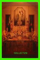 RELIGIONS - SANCTUAIRE ORNÉ POUR LA VEILLÉE PASCALE -  MAGNIFICAT, LES APÔTRE DE L'AMOUR INFINI, ST-JOVITE, QUÉBEC - - Saints