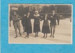Carte Photo : Patineurs Sur Glace. - Cartoline