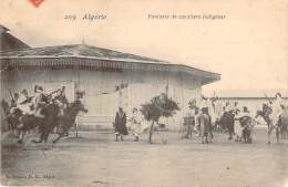 Algérie - Fantasia De Cavaliers Indigènes - Algeria