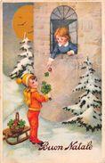 """D6157 """"BUON NATALE - BAMBINI CHE SI SCAMBIANO QUADRIFOGLI - FUNGO - LUNA - SLITTA"""" CART  SPED 1938. - Natale"""