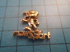 Sp01 Pin's Pins / Métal Jaune SOURIS ? NEW SPORT    ;   Belle Qualité !!!   Marquage Au Dos : ---- - Villes