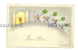 Bonne Année. Ribambelle D'enfants Et Chien Acceuillis à La Porte. Trèfles, Valises. 1940 (?) - Nouvel An