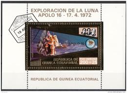 Bf. 64 Guinea Equatoriale 1973 Apollo 16 Gold Art Sheet Astronauti Duke Young Mattingly  Perf. - Guinée Equatoriale