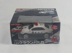 Toyota Crown Police Car ( Radio Controlled ) - R/C Modelbouw