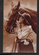 ! - Photo D'une Jeune Femme Avec Un Cheval - Silhouettes