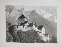 Postcard Castle Vadus Residence Of Ruling Prince Liechtenstein Real Photo My Ref B21472 - Liechtenstein