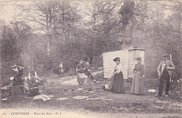 CPA - 60 - DOMPIERRE - Dans Les Bois - GARDE CHASSE Avec Campement De Romanichels Et Roulotte Vers 1910 - Francia