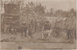 AK Artillerie Beim Laden Artillery Kanone Canon Soldaten Soldats WWI Weltkrieg Militär Militaria Guerre Militaire France - Ausrüstung