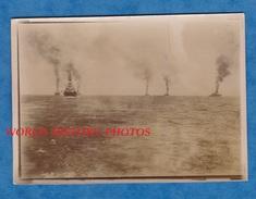 Photo Ancienne Snapshot - Mer / Océan - Groupe De Bateau à Identifier - Paquebot Boat Ship Harbour - Bateaux