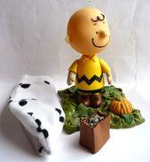 FIGURINE PMI CHARLIE BROWN FANTOME PEANUTS - Snoopy