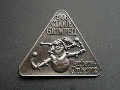 Broche - CLIQUE GRIMPELI 1996 -  CARNAVAL DE BALE  Suisse - FASNACH - Argent - Carnaval