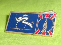 Pin's /  Autres / Divers  : Visa Pour L'europe   TB2N - Badges