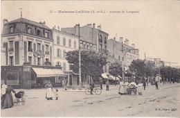 BE17- MAISONS LAFITTE  EN YVELINES  AVENUE DE LONGUEIL   CPA  CIRCULEE - Maisons-Laffitte