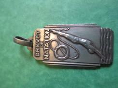 Médaille Pendentif/Sports/Brevet De Natation/Féd Fr Des Maitres Nageurs Sauveteurs/Années 50     SPO136 - Natación