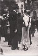 Paris 1900 ; Parisienne à Longchamp  - - France