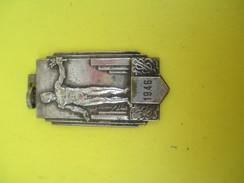 Médaille Pendentif/Sports/Athlétisme/ Homme Nu Avec Laurier/ 1946             SPO150 - Athlétisme