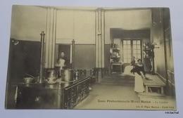 Yzeure-Ecole Professionnelle Henri Mathé-La Cuisine - Francia
