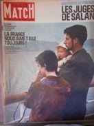 PARIS-MATCH N° 686 - 2 Juin 1962 - NOS PHOTOS AU TRIBUNAL : LES JUGES DE SALAN - L'ALGERIE - General Issues