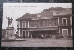 Guyane Cayenne  La Banque De La Guyane Et Statue Schoelcher  Cpa - Cayenne