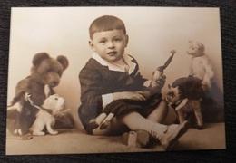 Chien Dog Avec Petit Enfant  Perro Photo Bebe - Scènes & Paysages