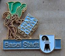 CANTON BALE VILLE  - KANTON BASEL STADT- DRAPEAU -   SUISSE - SCHWEIZ  -   (18) - Badges