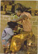 ABIDJAN,cote D´ivoire,afrique De L´ouest Francophone,ENFANT,METIER,COIFFEUSE - Côte-d'Ivoire