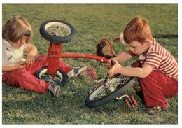 (M+S 103) Older Postcard - Carte Ancienne - Enfant Et Vélo Tricycle - - Jeux Et Jouets