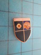 Pin813b Pin's Pins /  SPORTS ?  VALLEY CHAMPIONS PEUT ETRE TIR SUR CIBLE ?   Rare Et De Belle Qualité !!! - Badminton
