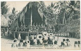 Mekéo Preparation De Danse Indigenes Costumés  Mission Sacré Coeur Issoudun Indre - Papoea-Nieuw-Guinea
