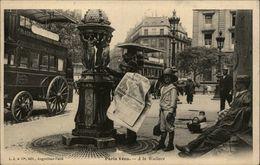 75 - PARIS - Paris Vécu - Marchand De Journeaux - à La Wallace - France