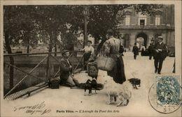 75 - PARIS - Paris Vécu - Aveugle Du Pont Des Arts - France