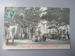 CPA 66 ILLE SUR TET PLACE DE LA REPUBLIQUE ET STATUE DE LA FAUCHEUSE - Altri Comuni